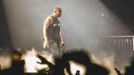 """Auch auf Spotify ein Großverdiener: Der amerikanische Rapper Drake, hier im Februar in London auf seiner """"Boy Meets World""""-Tour"""