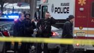 Milwaukee, Wisconsin: Spezialeinheiten der Polizei sind genauso vor Ort wie Rettungskräfte