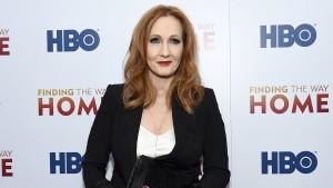 J.K. Rowling unterstützt transfeindliche Frau