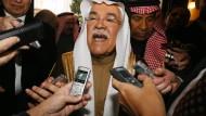 Keine Kursänderung in Sicht: Der saudische Ölminister Al-Naimi vor einem Hotel in Wien