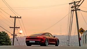Porsche Taycan hängt in der Türkei alle ab