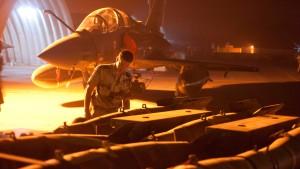 Paris weitet Luftangriffe auf Islamisten aus
