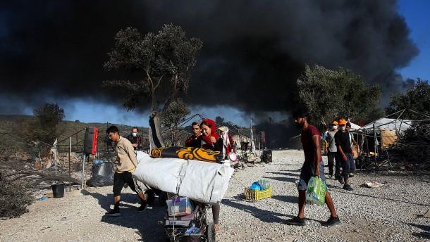 Griechenland wirft Migranten Brandstiftung vor
