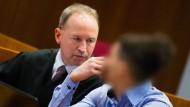 Der Hauptangeklagte Walid S. und sein Anwalt Martin Kretschmer