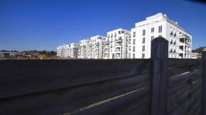Heinrich Heine Gärten -  Nach dem Vorbild der amerikanischen Gated Communities entsteht in Düsseldorf ein exklusives, bewachtes Wohnquartier mit 160 Wohnungen. Das Bauprojekt ist in der Stadt umstritten.