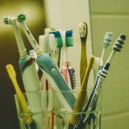 Acht Zahnbürsten – das sind schon ein paar zu viel für die normale Kleinfamilie.