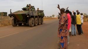 Le Drian würdigt Beitrag der Bundeswehr in Mali