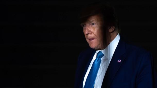 """Weißes Haus hält Trump-Gegner für """"Abschaum"""""""