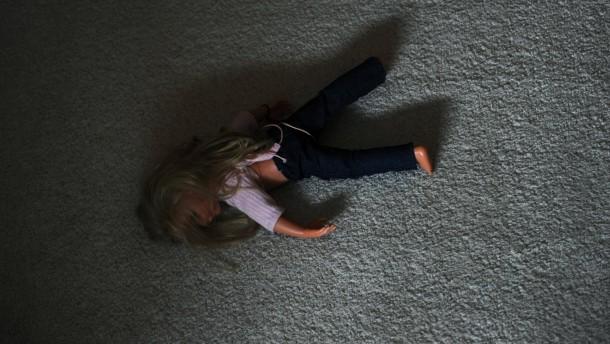 Weniger sexueller Missbrauch von Kindern