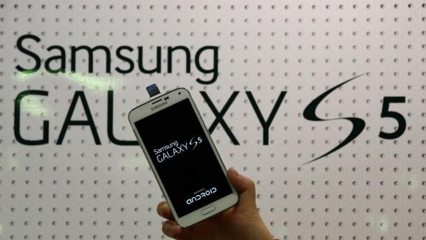 Smartphone-Primus Samsung schwächelt