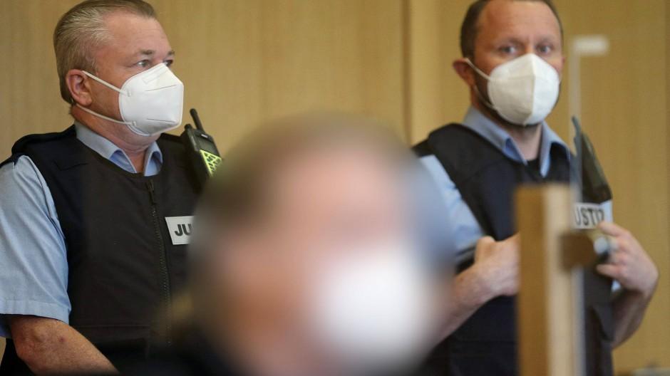 Der Angeklagte im April im Gerichtssaal in Aachen