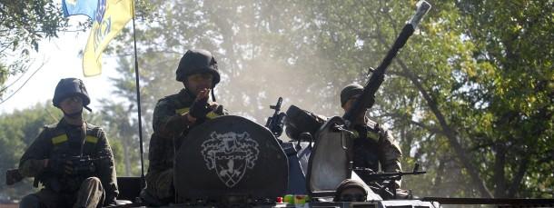 Militärisch unter Druck: Patrouille der ukrainischen Armee nahe Donezk