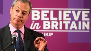 Rechtspopulist Farage distanziert sich von Wahlversprechen