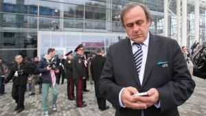 Platini fordert von Kiew Ende des EM-Wuchers