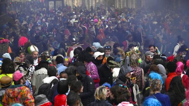 Marseille feiert ausgelassen Karneval