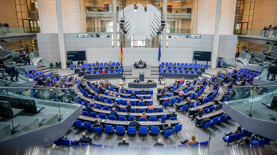 Blick in das Plenum des Bundestags am Mittwoch bei der Regierungsbefragung