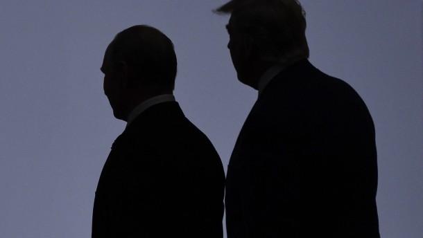 Trump und Pompeo gespalten