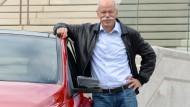 Ohne Krawatte im Dienst: Daimler-Chef Dieter Zetsche mag es leger.