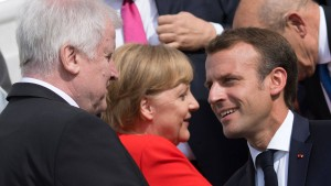 Seehofers Kompetenz, Merkels Kampf