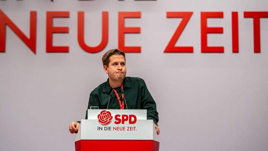 Kevin Kühnert spricht beim SPD-Bundesparteitag.