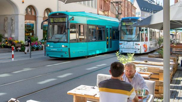 Wieder Warnstreiks bei Bahnen und Bussen