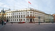 Der Hessische Landtag in Wiesbaden: Der Ort, an dem sich die Parteiseelen treffen?