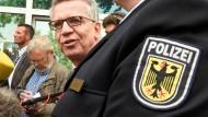 Zusätzliche Polizisten sind ein Teil des Konzepts von Bundesinnenminister Thomas de Maizière.