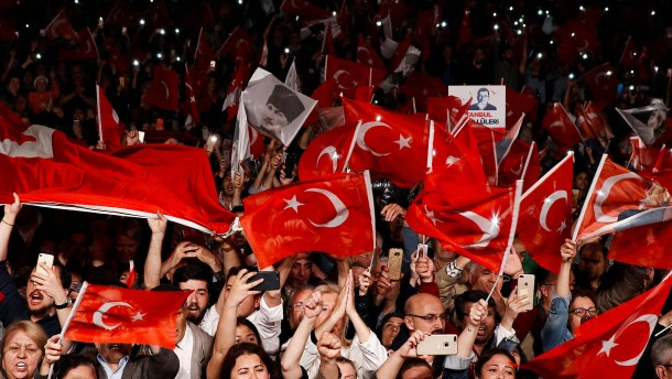"Istanbuls Bürgermeister beklagt ""Verrat"""