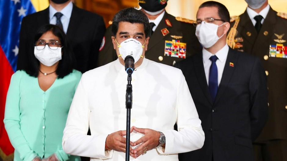 Mit Mundschutz: Venezuelas Präsident Nicolás Maduro in Caracas
