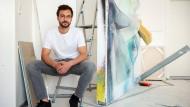 Objekte zwischen Malerei, Collage und Skulptur: Max Geisler in seinem Offenbacher Atelier