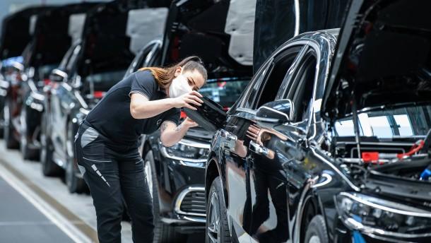 Mercedes liefert ein Drittel weniger Autos aus