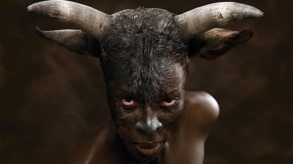 Bürde des Kolonialismus: Europa, eine Fotografie der Südafrikanerin Nandipha Mntambo (2008).