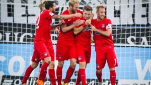 Heidenheim feiert ersten Auswärtssieg