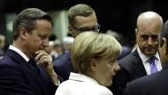 Regierungschefs der EU beraten: David Cameron (Großbritannien), Alexander Stubb (Finnland), Angela Merkel (Deutschland), Fredrik Reinfeldt (Schweden) und Nicos Anastasiades (Zypern).