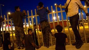 EU-Staaten nehmen Türkei fünf Mal mehr Flüchtlinge ab