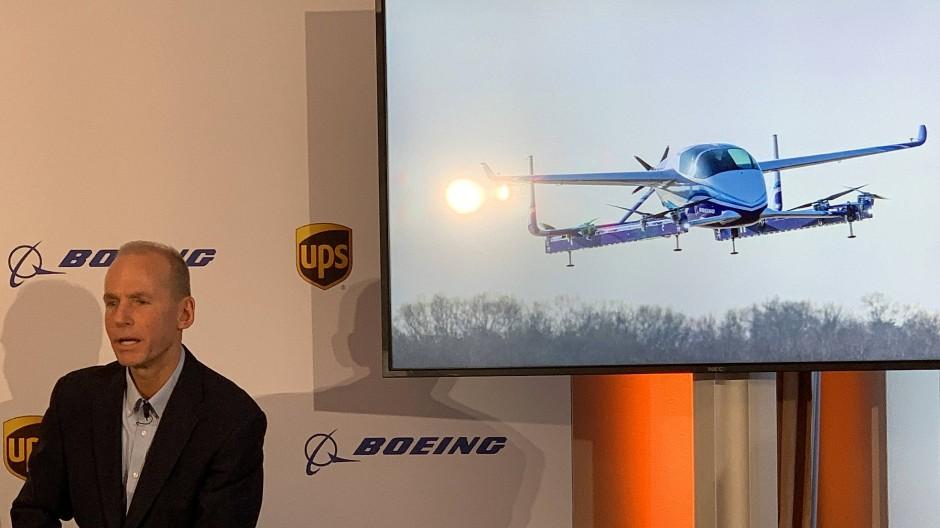 Boing-Chef Dennis Muilenburg mit seinem Flugtaxi