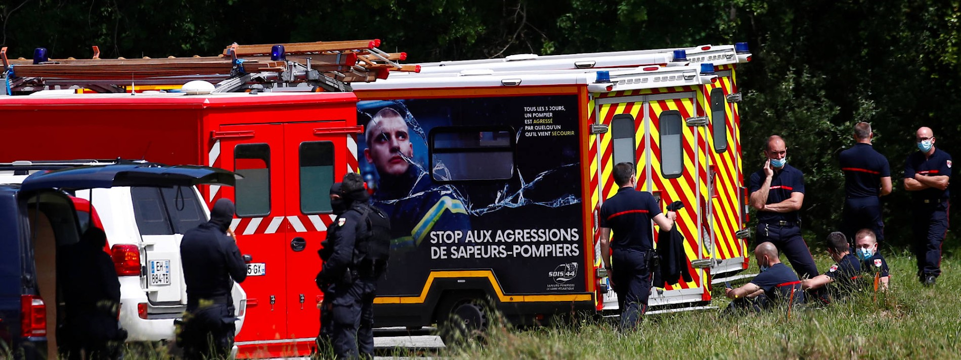 Polizistin in Frankreich von Angreifer mit Messer verletzt