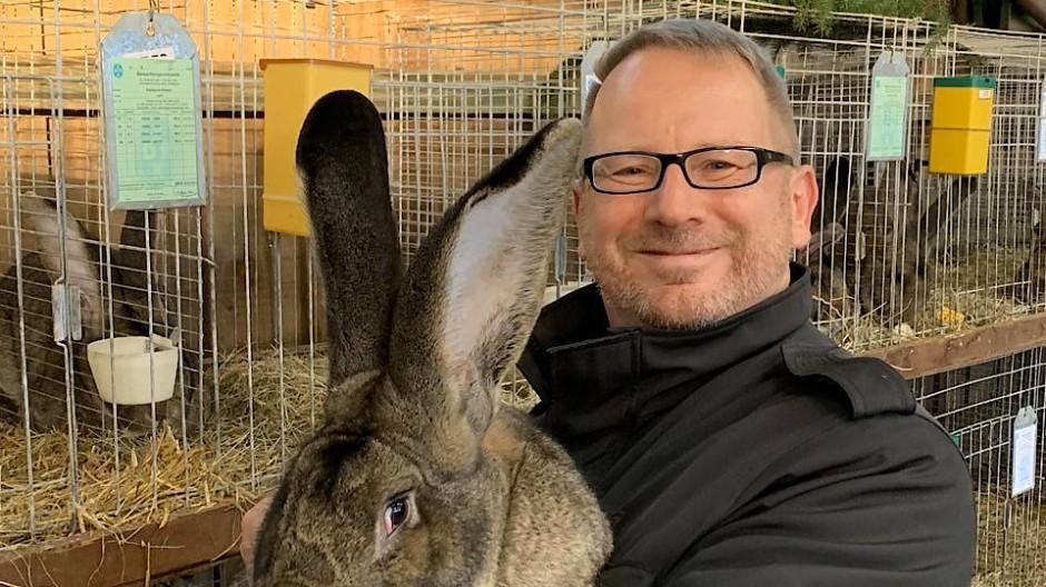 Hier findet Johannes Kahrs klare Ansagen: Auf Kaninchen- und Geflügelschaus.