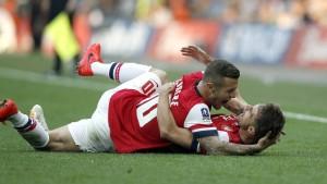 Triumphe für Arsenal und St. Johnstone