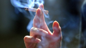 Die Raucher verlieren die letzten Freunde