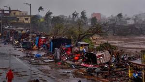 """Zyklon """"Fani"""" tobt über Indiens Ost-Küste"""