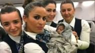 Französin bekommt Baby im Flugzeug