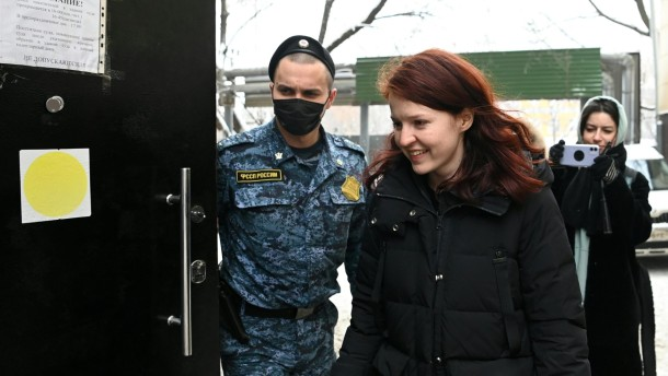 Nawalnyi-Unterstützer festgeommen
