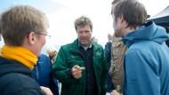 Er kann es sich erlauben: Robert Habeck, hier bei der Eröffnung der Muschelsaison auf Sylt, kritisiert seine Partei.