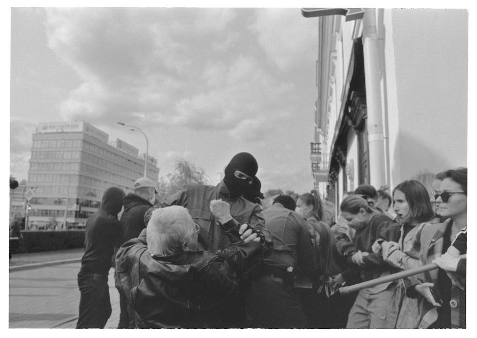Grande Dame der Proteste: die 73 Jahre alte Nina Badinskaja wird festgenommen.