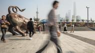 Schanghais Flaniermeile: Vermögende Chinesen konsumieren gerne westliche Luxusmarken.