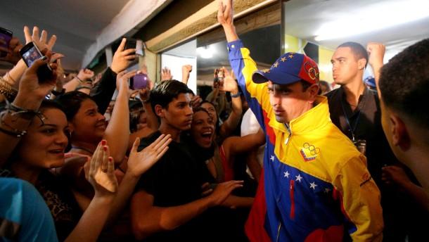 Chávez' Partei siegt in Gouverneurswahlen