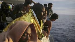 Frankreich öffnet Asylzentren in Afrika