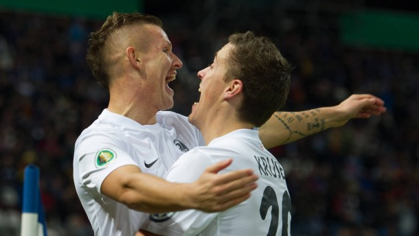 1 0 In Karlsruhe Freiburger Pokalderbysieg Fu Ball Faz