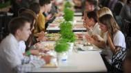 Kein Recht auf Low Carb, Vegan oder Trennkost für Berliner Schüler